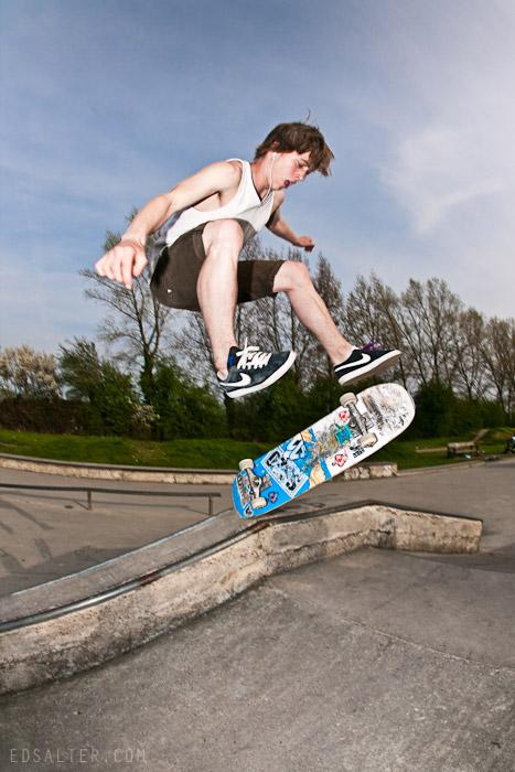 jason skateboard flip driveway