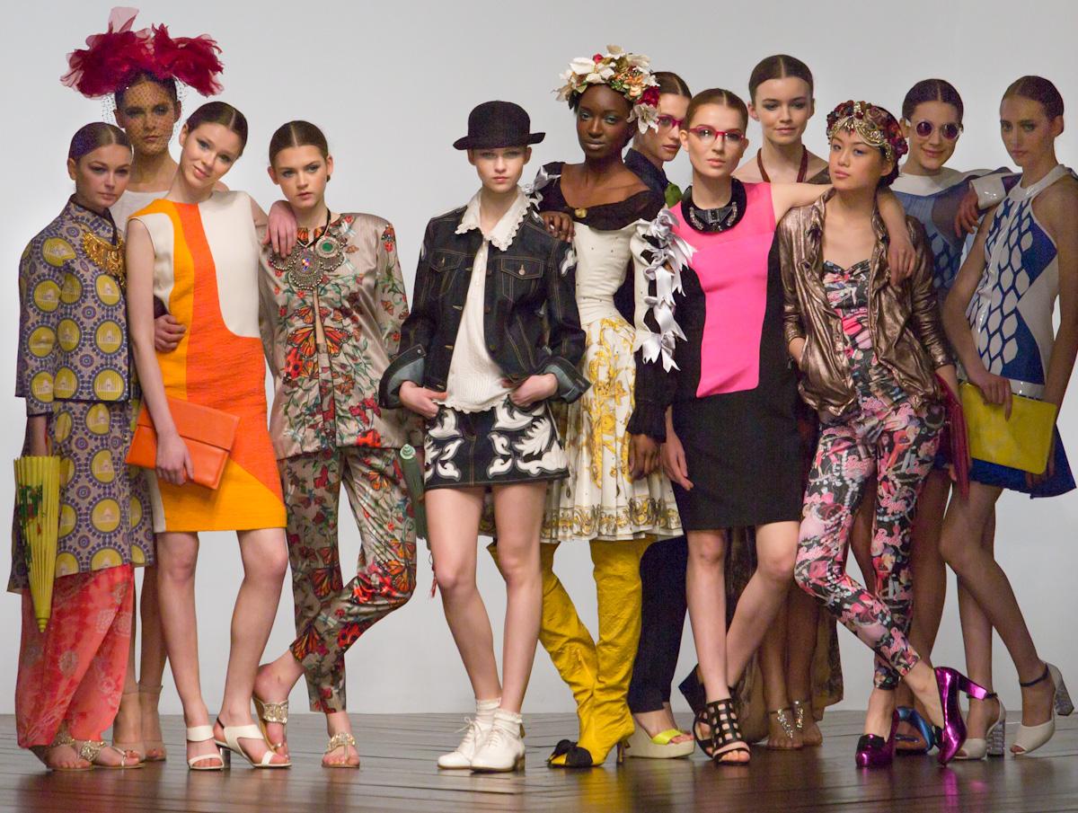 london-fashion-weekend-group-8815