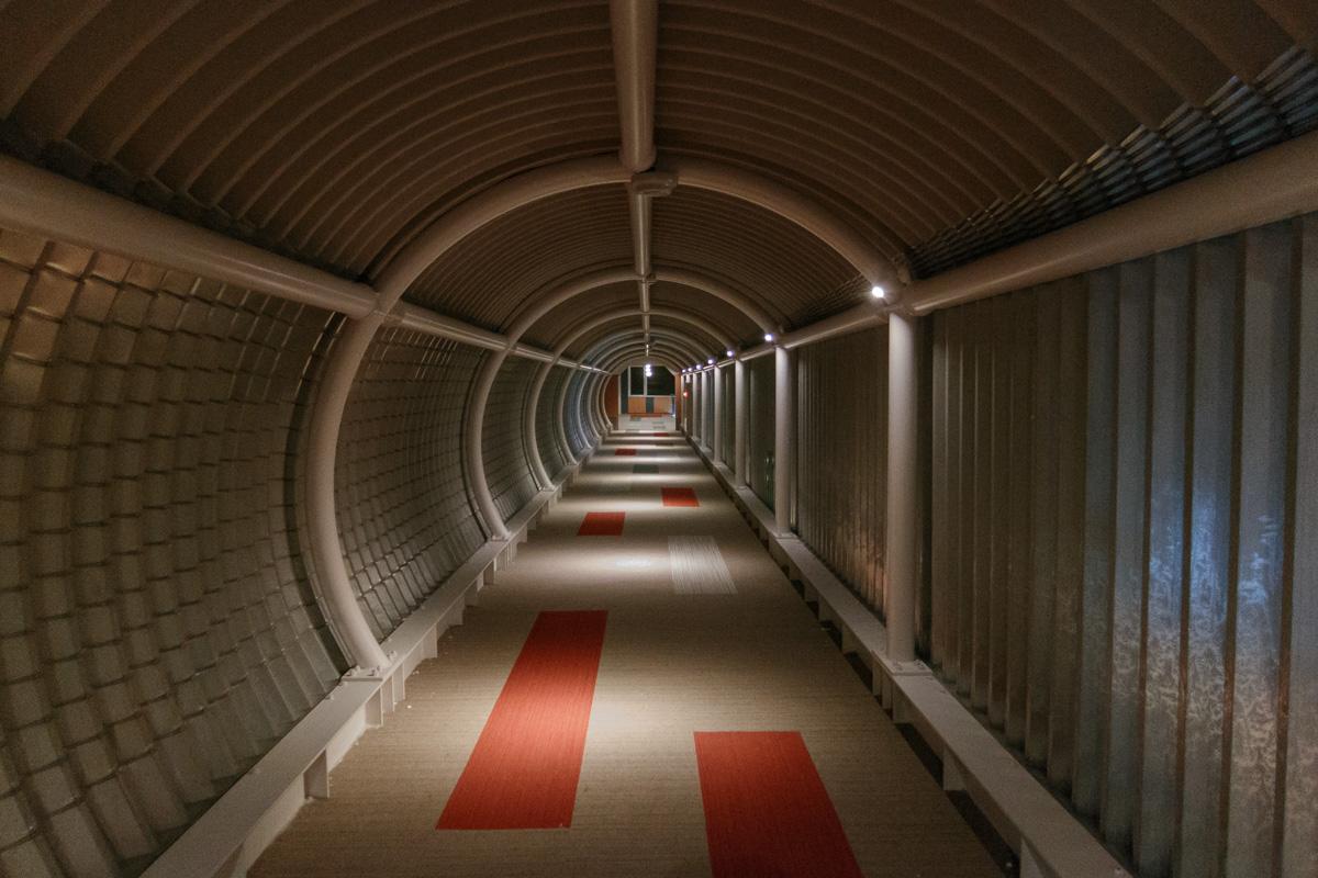Corridoors leading between towers in Tomamu
